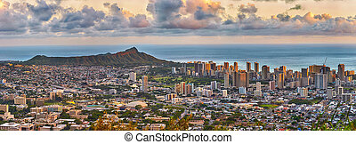 Waikiki and Diamond Head from Tantalus lookout - panoramic...