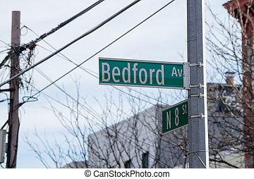 Bedford av sign