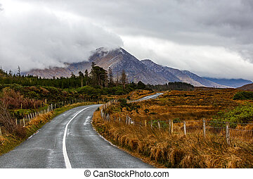 Journey in Connemara - Journey on wild atlantic way in...