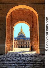 Invalides gate - The golden dome of Les Invalides seen...