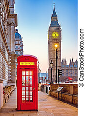 Traditional red phone booth in London - Traditional red...