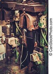Zapatero, se realiza, zapatos, en, el, estudio, arte,...