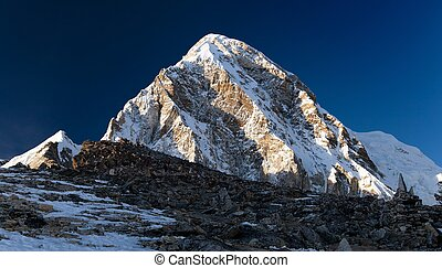 Evening view on top of Kala Patthar and mount Pumo Ri