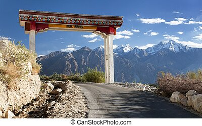 Nubra valley and Samstanling monastery - Wel come to Nubra...