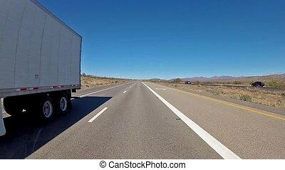 camión, en, movimiento,