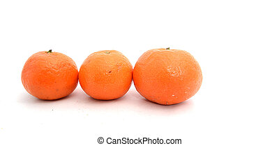 Tangerines on a wahite background - Picture of a ripe...
