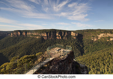 Early morning at Pulpit Rock Blue Mountains Australia -...