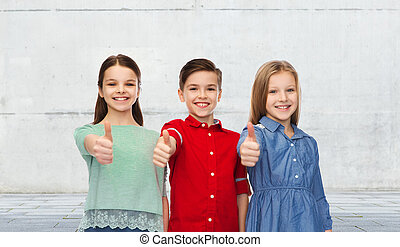 feliz, niños, actuación, pulgares, Arriba,