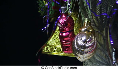 Christmas Tree Decorations and Rotates - Green Christmas...
