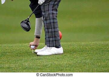 Golf Tee-Up