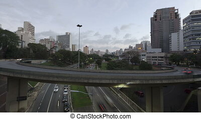 4K Time lapse Traffic Sao Paulo - 4K Time lapse Traffic on...