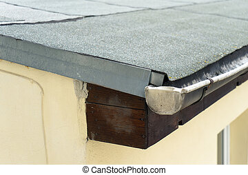 roofing felt - covered flat roof with roofing felt