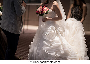 Beautiful bride wedding gown - Beautiful wedding gown...