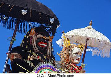 Barong Landung - traditional Balinese protective spirits. -...