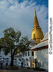 Wat Bowonniwet Vihara - Temple Wat Bowonniwet Vihara in...