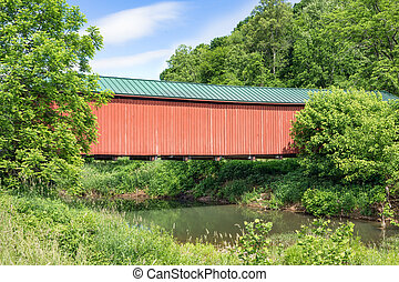 Ohios Foraker Covered Bridge - Built in 1886, Ohios red...