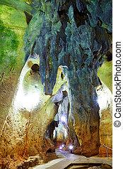 Benidoleig Cueva Calaveras cavern in Alicante