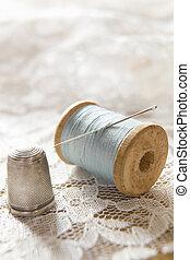 vindima, algodão, bobina, com, agulha, e, prata,...