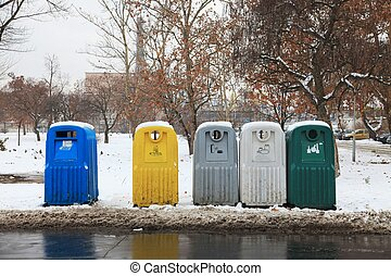 Dustbins for selective garbage collection