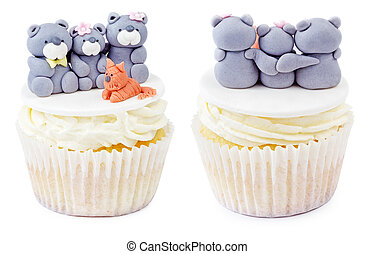 Cupcake with teddy bear family isolated