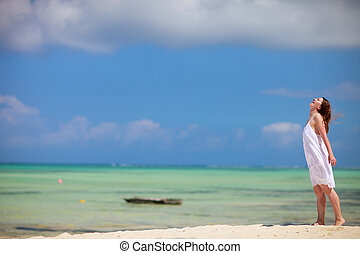 Girl on vacation - Beautiful girl on tropical beach of...