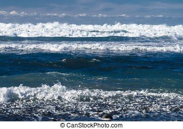 Powerful waves of Atlantic ocean