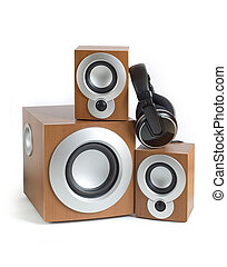 hi-fi - Acoustic system and ear-phones on a white background
