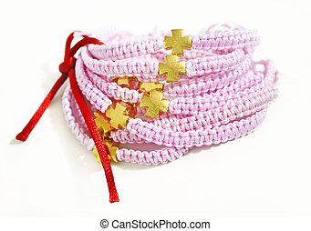 rosa, oro,  macrame, cruz, pulseras