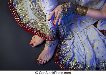 Bridal Oriental Jewelry and Accessories: Female foot with Indian