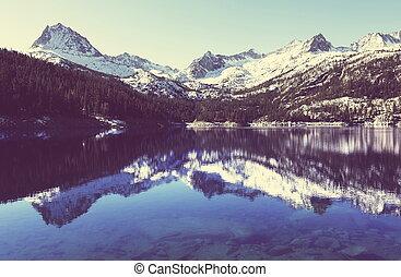 Mountain lake - Lake in mountains