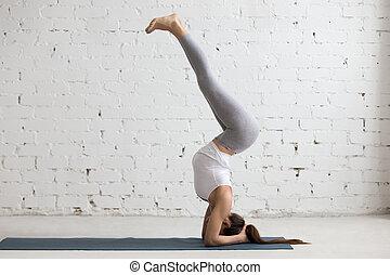 Yoga at home: variation of Salamba Sirsasana - Beautiful...