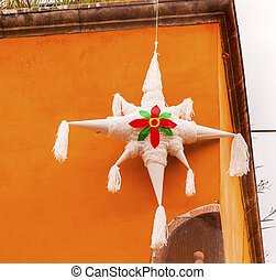 blanco, piñata, decoración, navidad, Jardin, pueblo, árbol,...