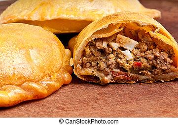 ouvert, boeuf, empanada
