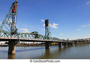 The Hawthorne bridge, Portland OR - Perspectives of a bridge...