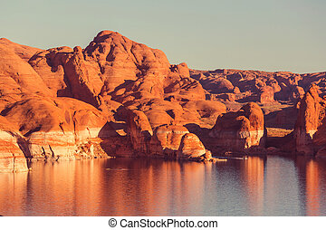 Powell lake - Lake Powell, Alstrom point, USA