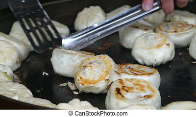 Fried Crispy Chinese pork bun - Fried Crispy Chinese...