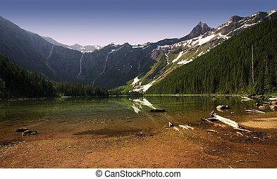Avalanche Lake, Glacier