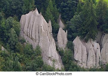 Terenten Hoodoo - Terenten in Dolomites, Hoodoos a geologic...