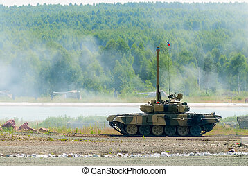 T80 tank with equipment for water crossing Russia - Nizhniy...