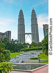 The towers in Kuala Lumpur - Petronas Twin Towers at Kuala...