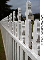 Dimishing Picket fence