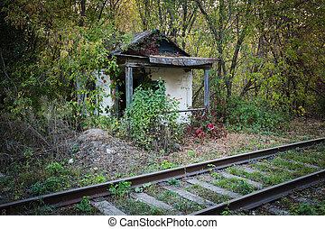 Abandoned shack stationmaster - Old abandoned shack...