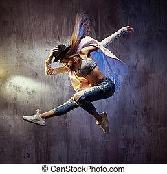 ataque, joven, bailarín, Durante, el, rendimiento,