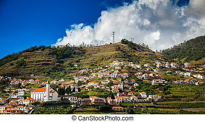 houses in the Funchal's suburbs