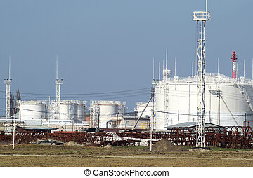 Storage tanks for petroleum products. Equipment refinery....