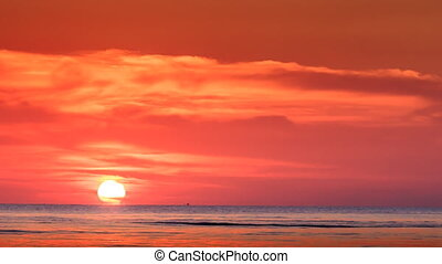 Red Sunset Sun on Skyline Sunlight Reflection on Sea -...