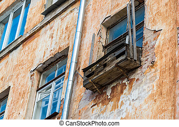 emergency balcony on the facade of block flats - An...