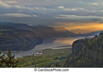 Vista House on Crown Point 4 - Sunrise over Vista House on...