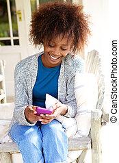 携帯電話, 微笑, 女, 黒