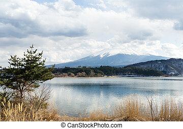 Lake kawaguchi with mt Fuji
